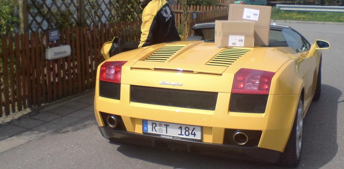 Lamborghini Postbote als Firmenwagen